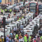 Taksówkarze zamiast zabiegać o regulacje powinni służyć klientom